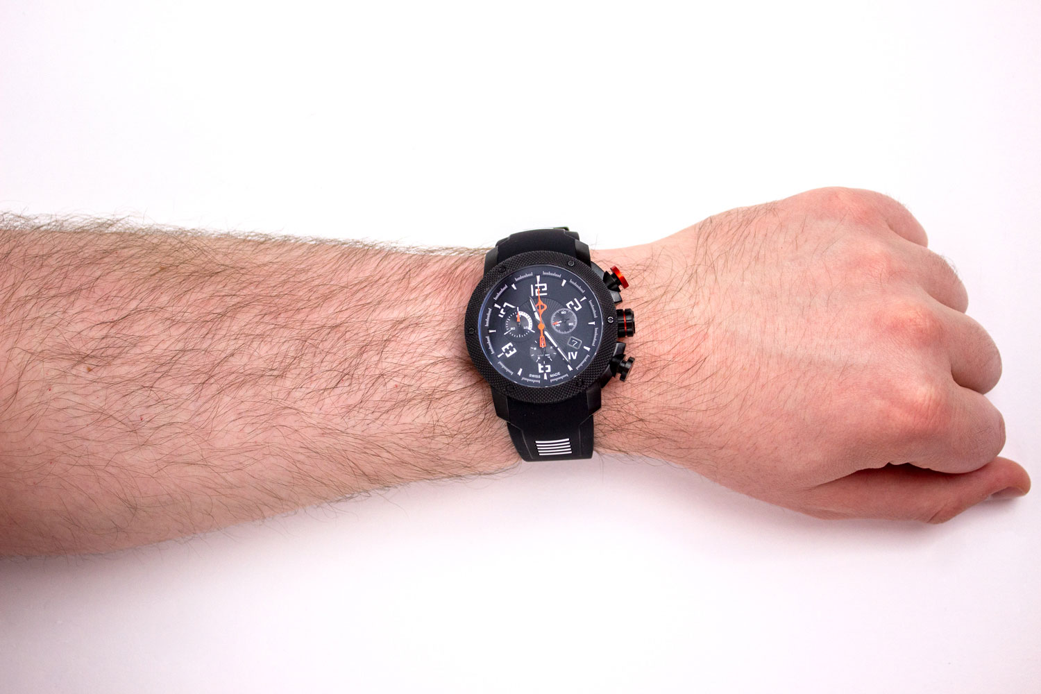 Photo of how the LIV GX1 fits on a 7.5 in (19.05 cm) wrist