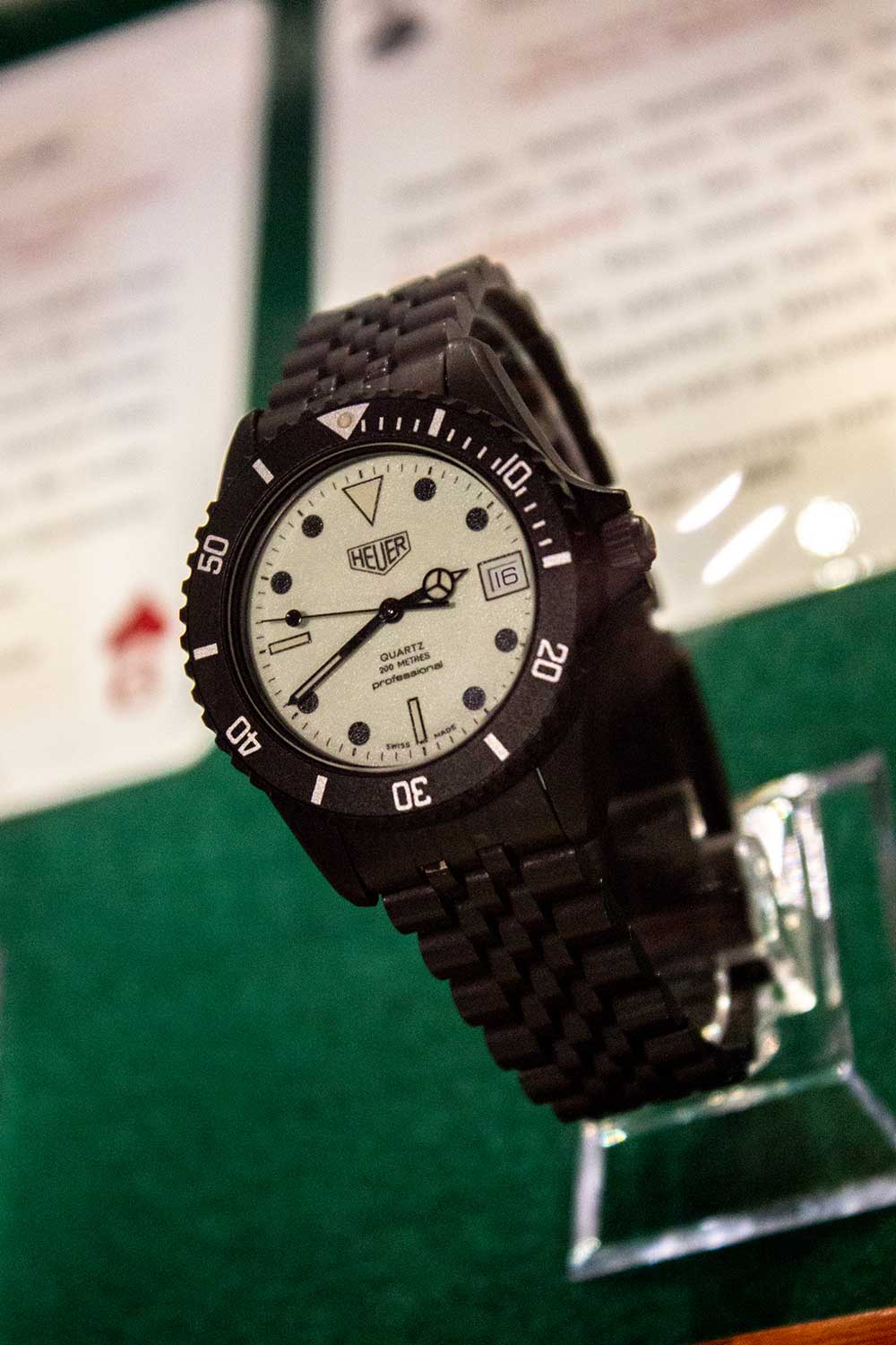 TAG Heuer Night Diver 980.031 Swiss quartz watch